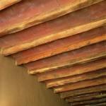 Plafond en tomettes de terre cuite et vieux bois sablés