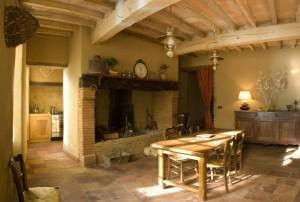 Enduit terre pour une ambiance chaleureuse maison paysanne