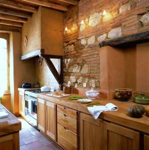 Réalisation d'une cuisine dans le style en tilleul