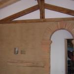 Réalisation d'une arche en plein cintre et rejointoiement mur d'adobes