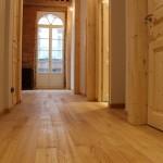 Couloir et chambre en parquet chaîtaignier