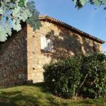 Murs en pierre et terre cuite sur façades exposées