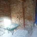 Décroutage des murs et dépose ancienne dalle ciment